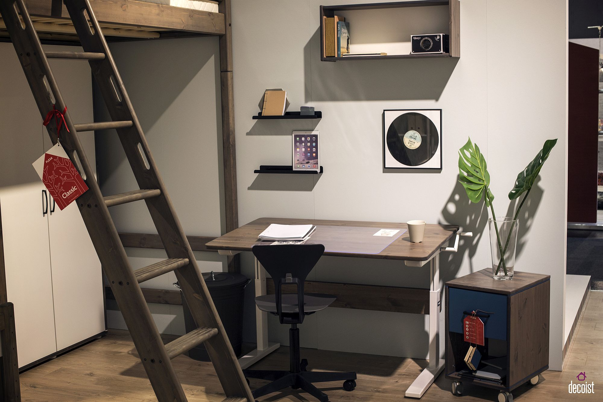 Modular-storage-unit-of-wheels-to-complete-the-kids-room