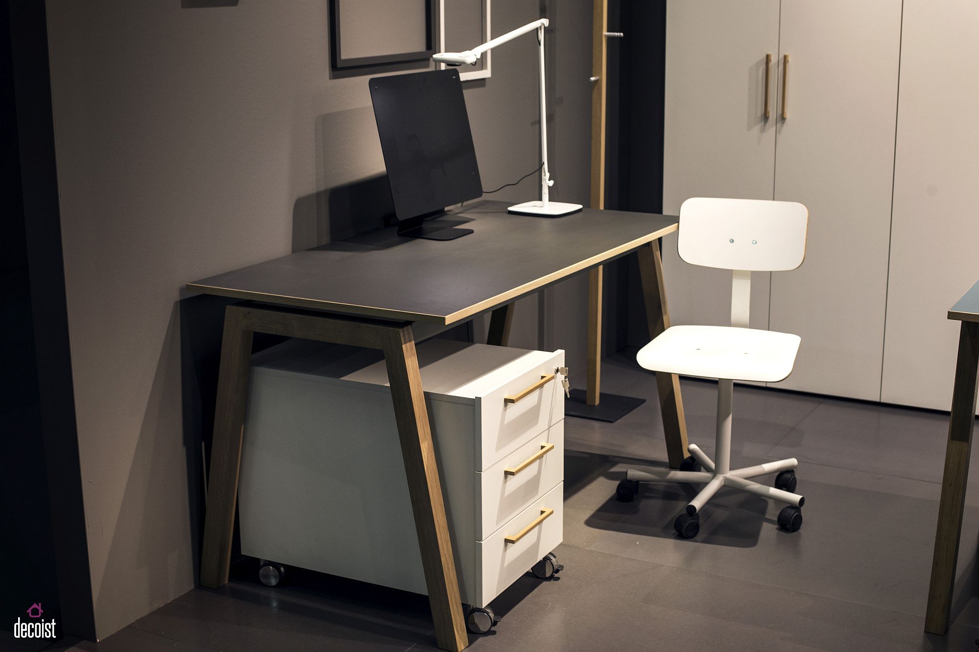 Movable-storage-cabinet-with-drawers-is-perfect-for-the-home-office