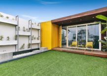 Multipurpose cubic block shape the terrace office 217x155 Mixing Work and Play: Multi Purpose Studio on Terrace with Modular Ease