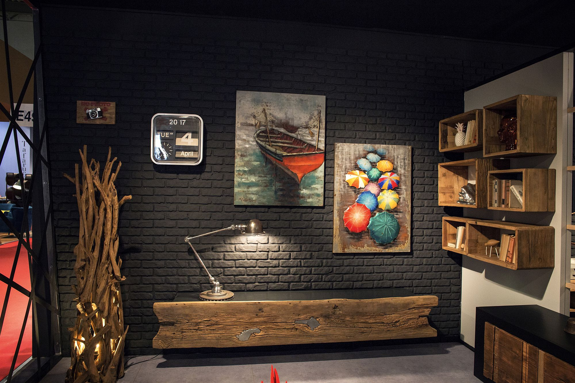 New-age-wooden-decor-with-beautiful-textural-finish-from-Gwinner