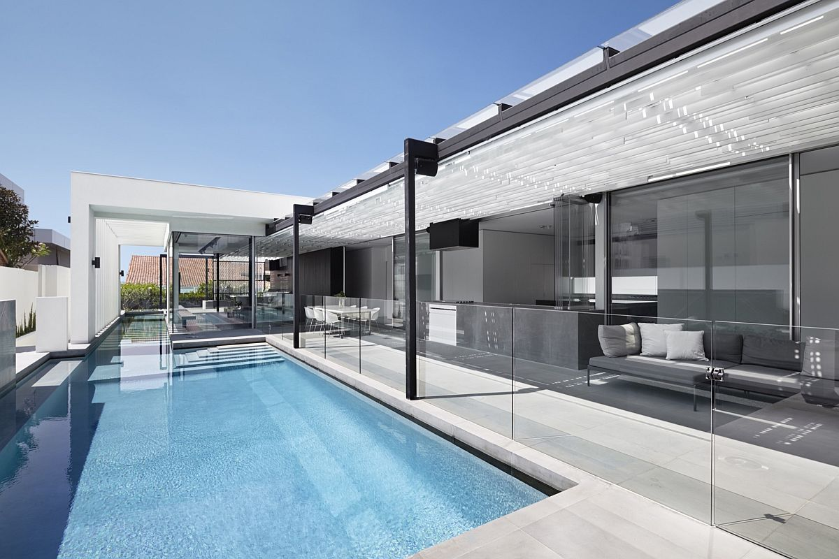 Pavilion-integrated-with-the-pool-area-and-the-interior