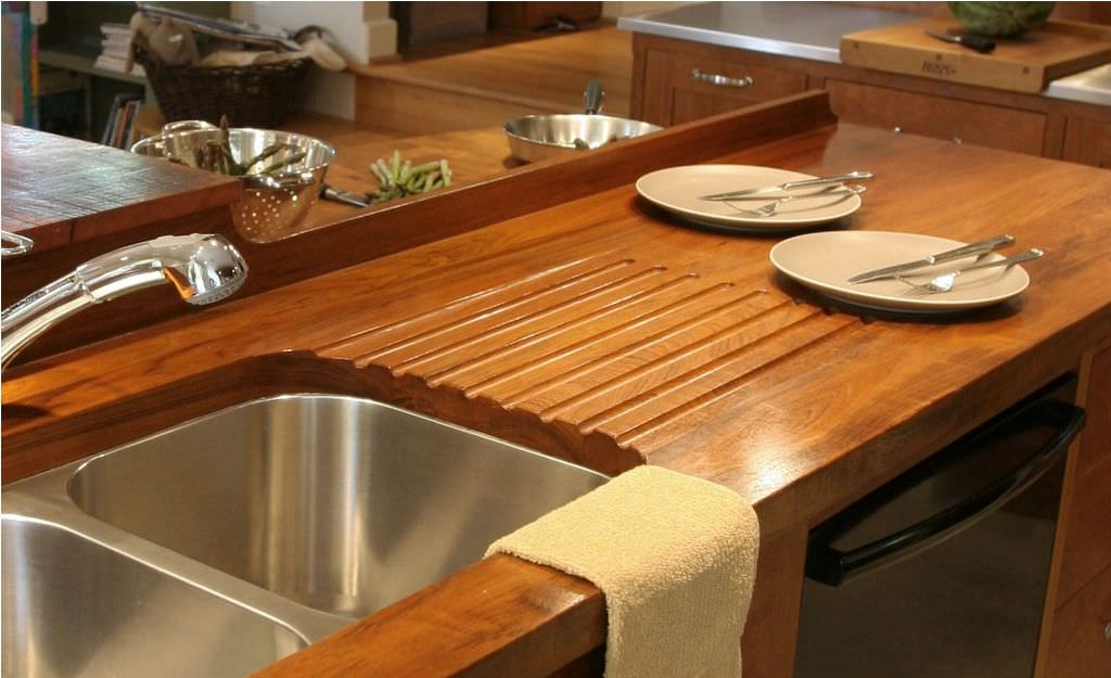 Polished-wooden-countertop-that-shines-