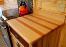 Simplistic-bare-wooden-countertop--217x155