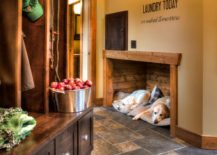 Simplistic-beautiful-and-cozy-wooden-puppy-nook-217x155