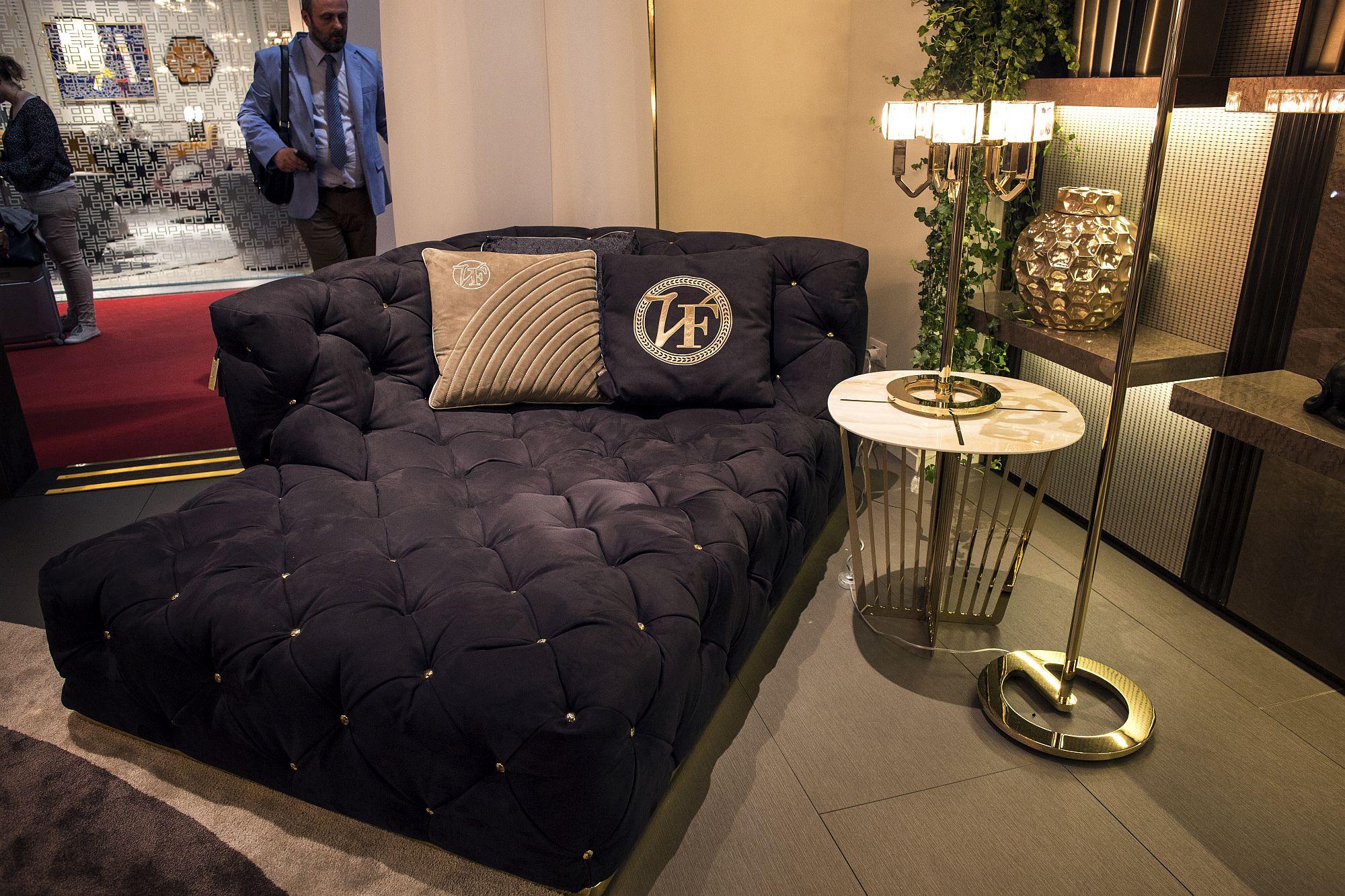 Sleek-side-table-and-floor-lamp-usher-in-the-glitter-of-metallic-finish