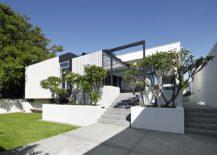 Smart-street-facade-combines-light-and-dark-elements-217x155