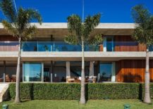 Sweeping-balconies-and-open-bedrooms-at-House-EL-217x155