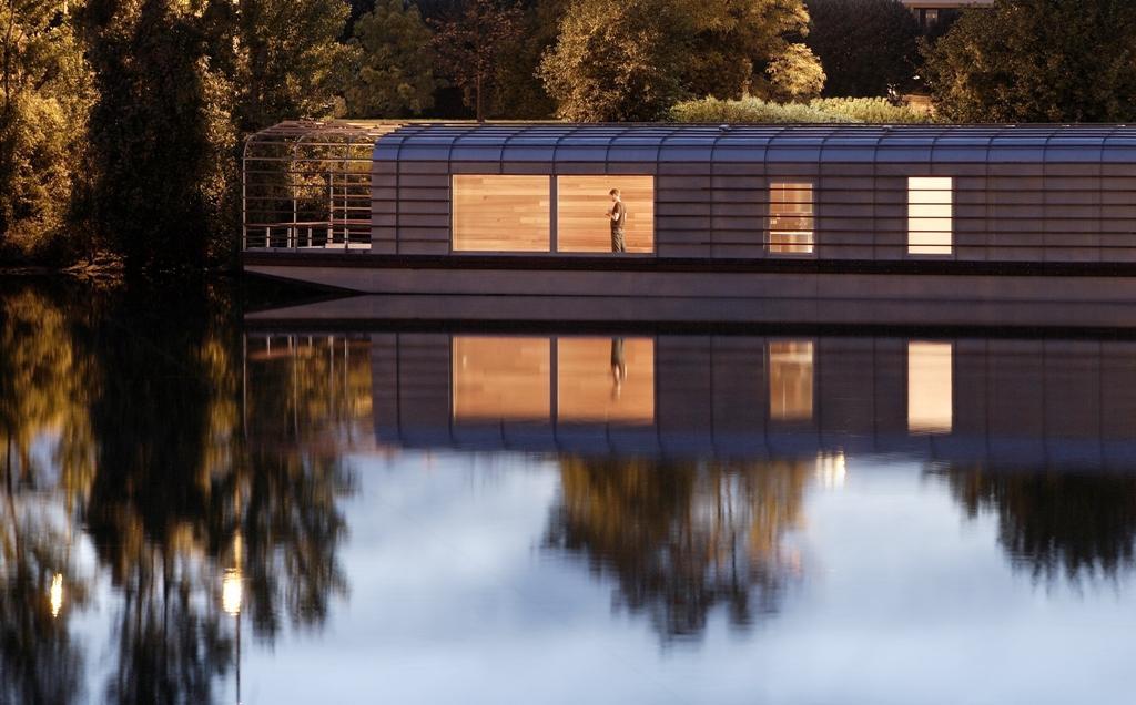 The Floating House I