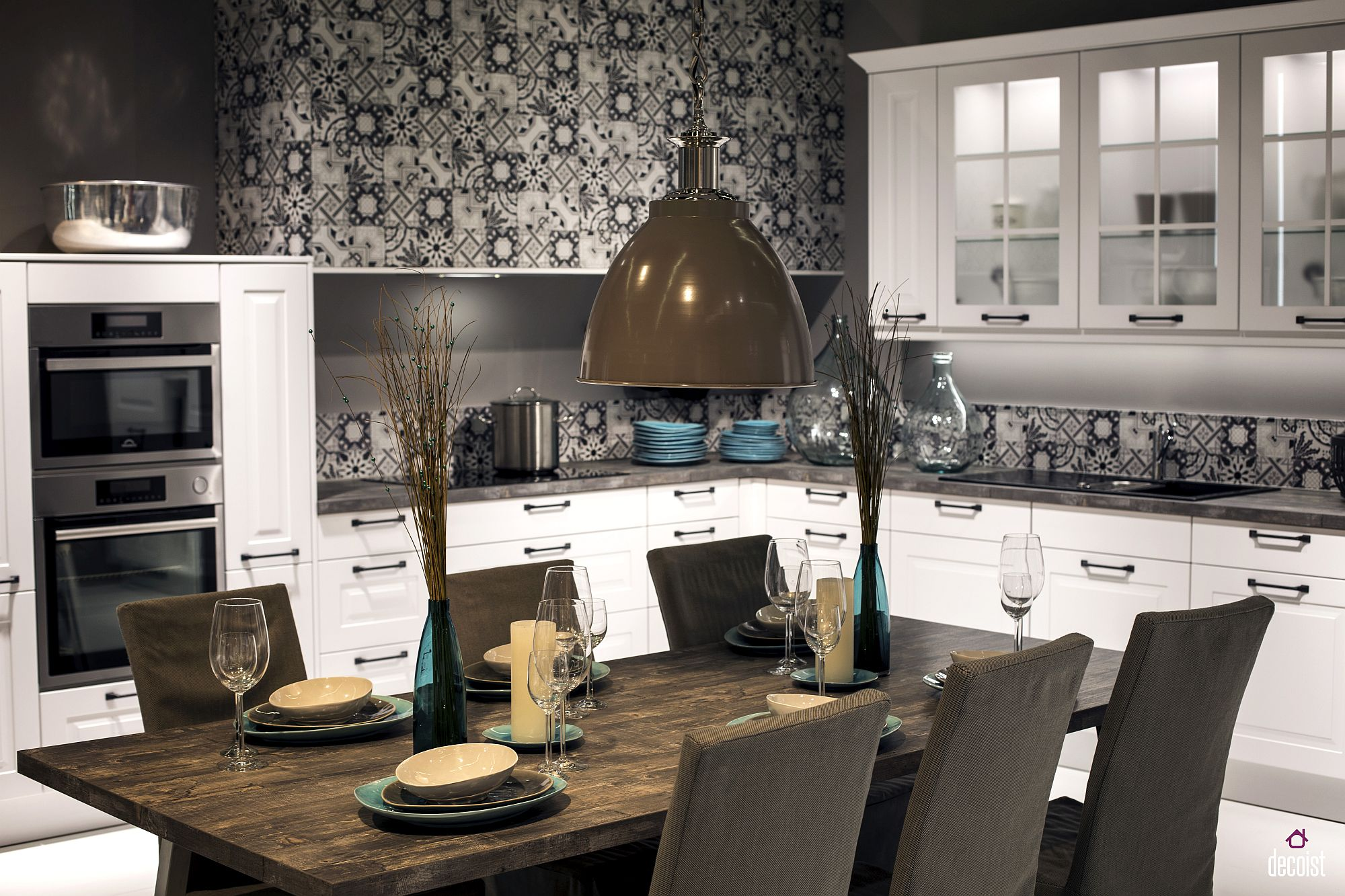 Tiles add pattern to the kitchen without disturbing the color scheme