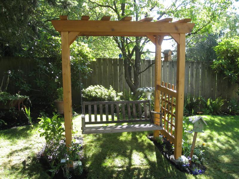 Utilize the space around your garden swing
