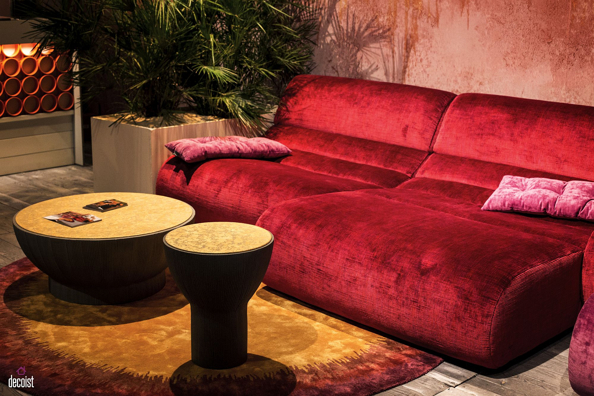 Velvety red luxury for the audacious interior