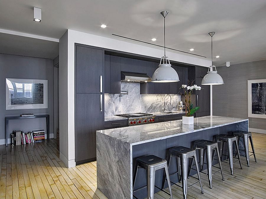 White plays second fiddle to bluish-gray in this kitchen