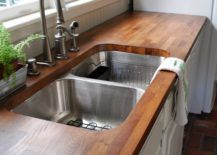 Wooden-countertop-feels-cozy-homey-and-very-welcoming-217x155