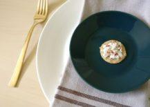 A-linen-napkin-offsets-a-teal-plate-217x155