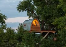 A-stunning-modern-treehouse-bungalow--217x155