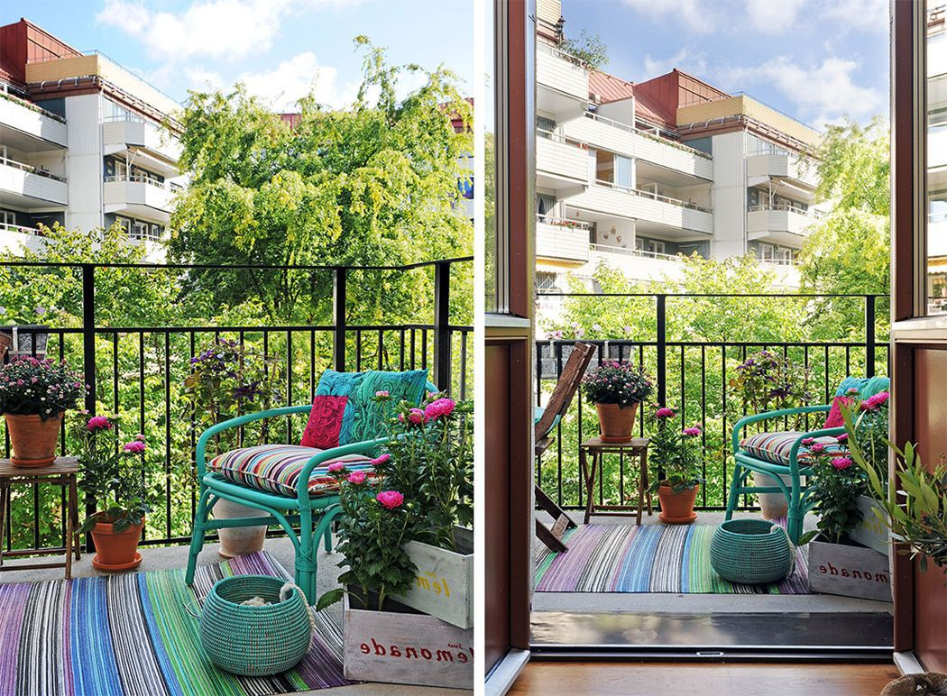 A tiny city balcony with flamboyant mint decor pieces