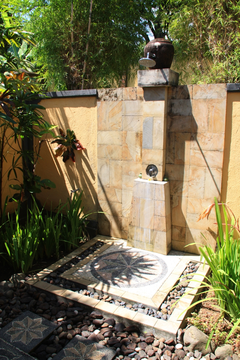 Outdoor Shower Epitome Of Luxury 30 Refreshing Outdoor Showers