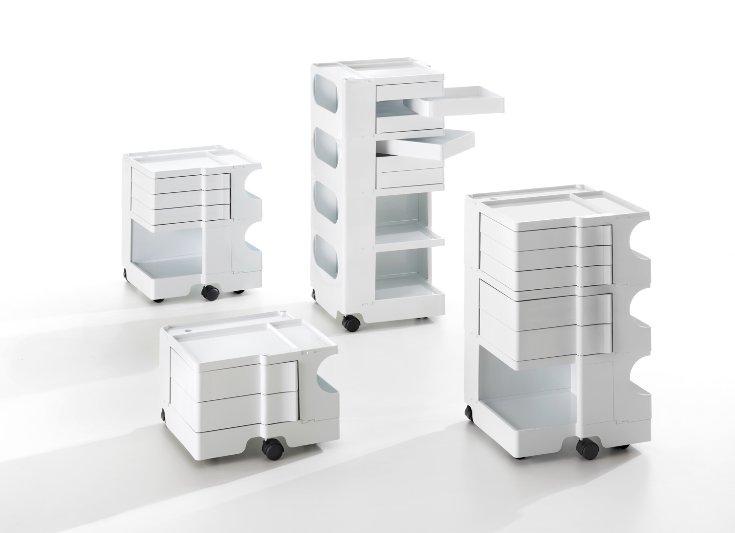 Boby in white Design Icon: Boby the Shelving Tower