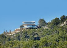 Contemporary-home-seems-to-float-above-the-rocky-landscape-effortlessly-217x155