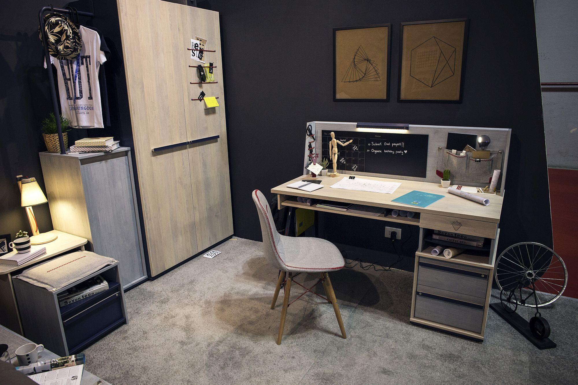 Corner wardrobe and home work zone idea for the modern kids'room