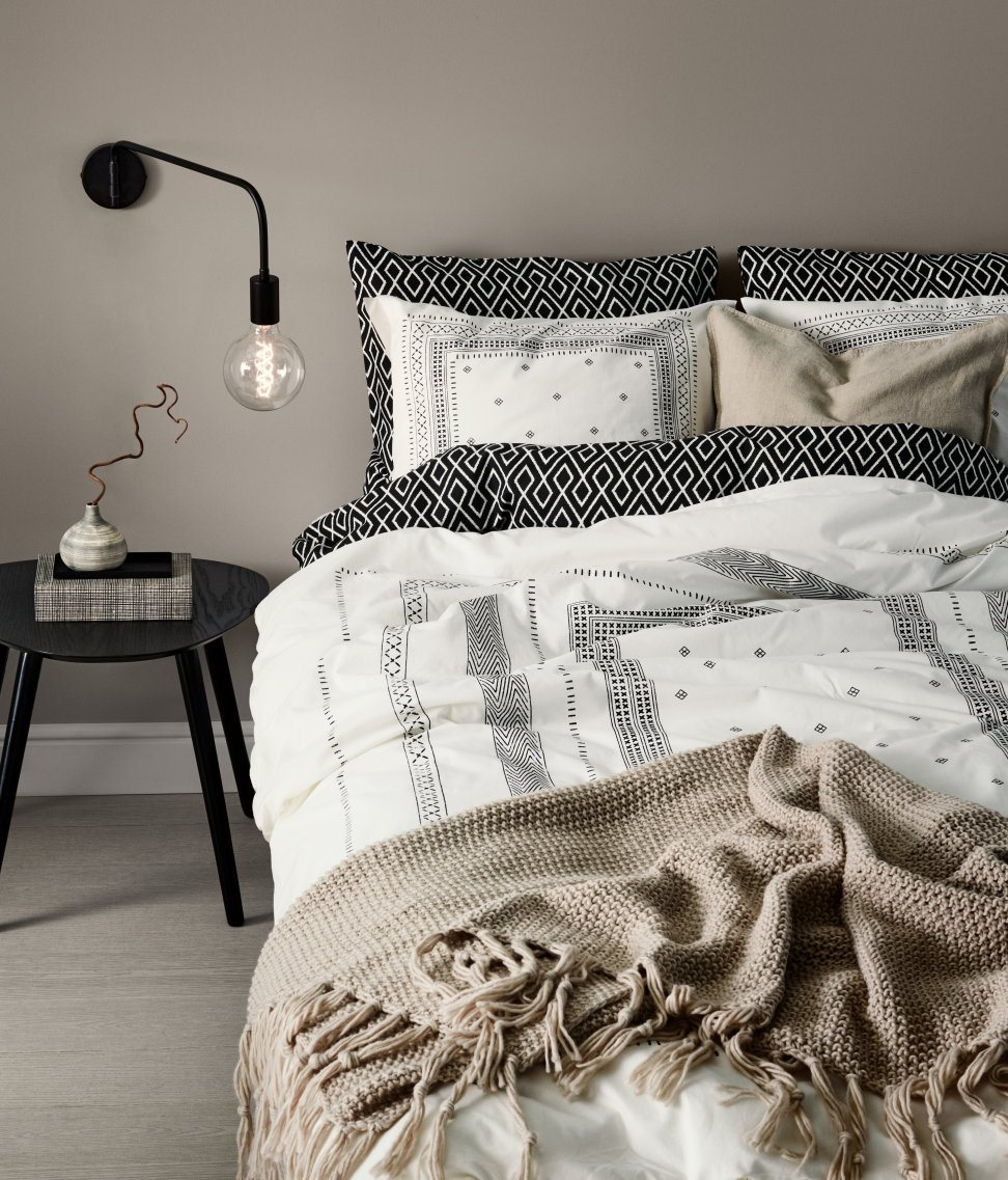 Cotton duvet cover set in black and white