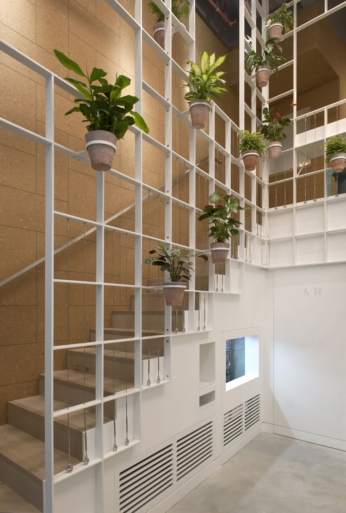 Custom-metallic-grid-gives-the-interior-ist-unique-look