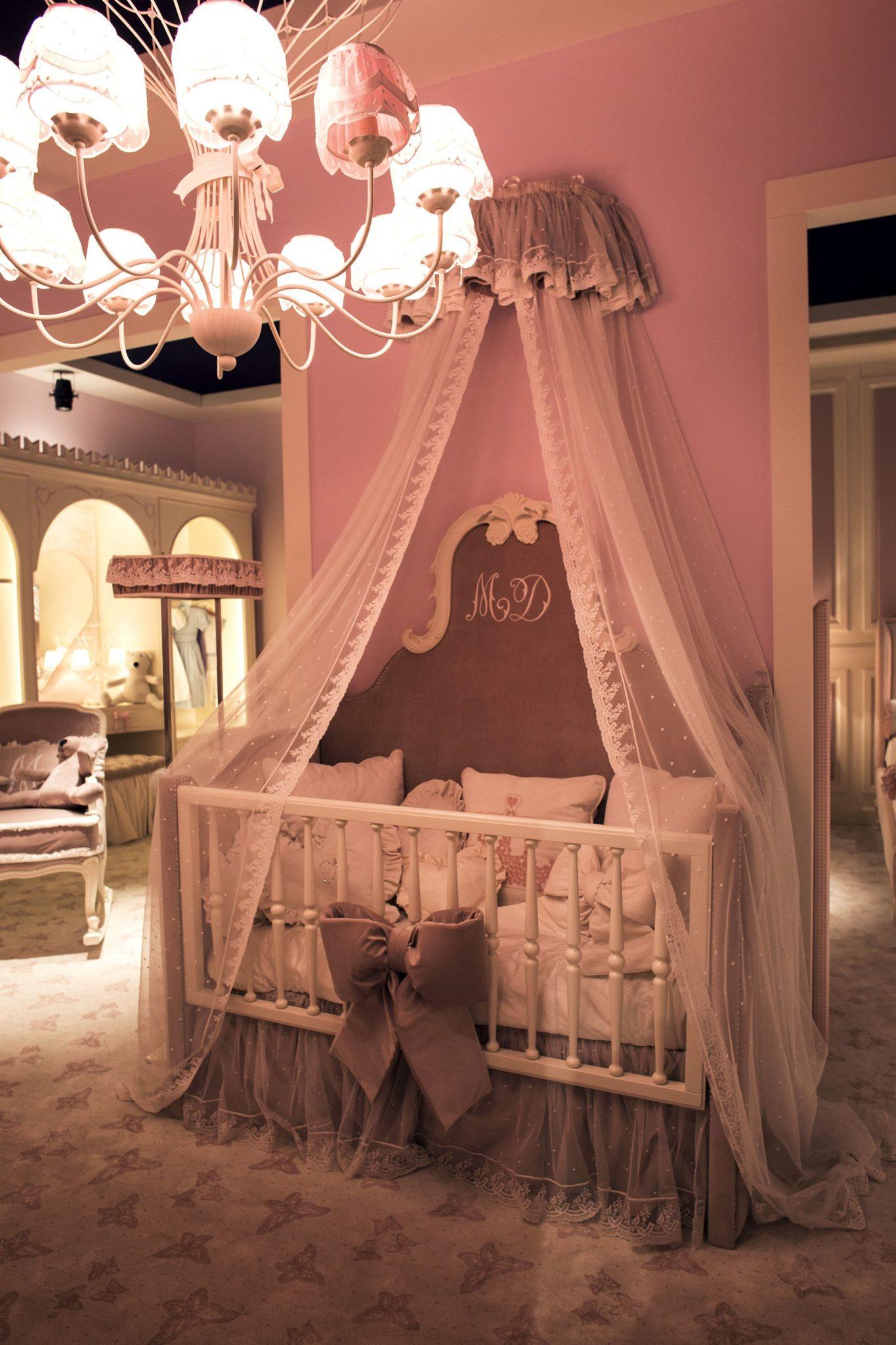 Exquisite-princess-style-nursery-decor-idea
