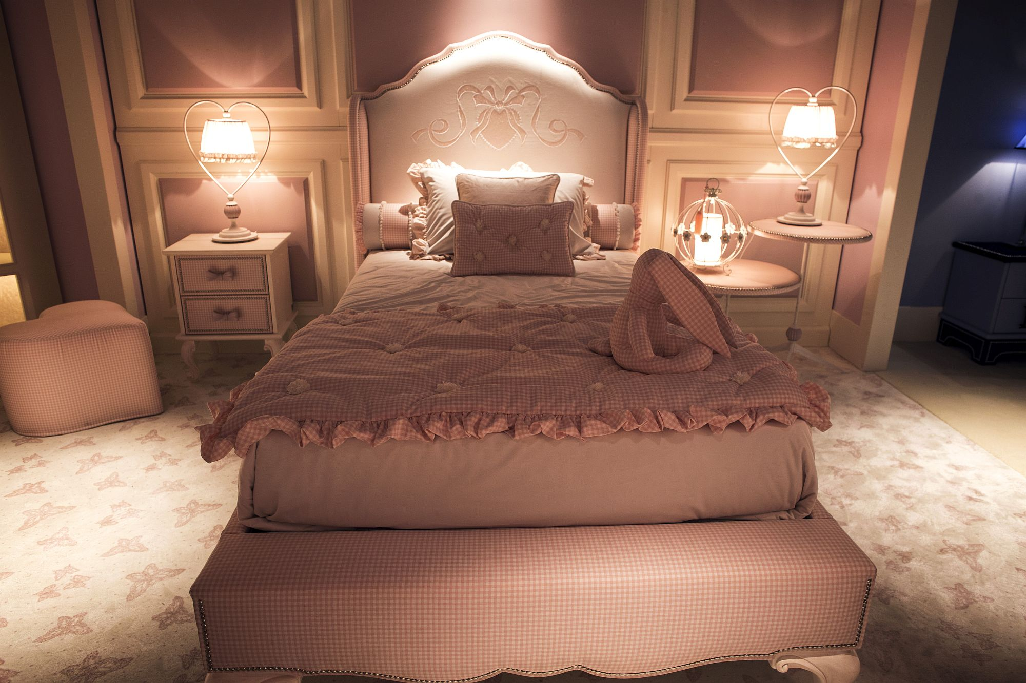 Fabulous girls' bedroom with an overload of pink