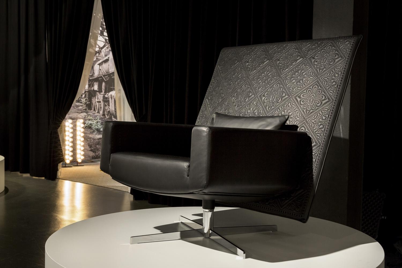 Jackson-Chair-photo-by-Valentina-Zanobelli