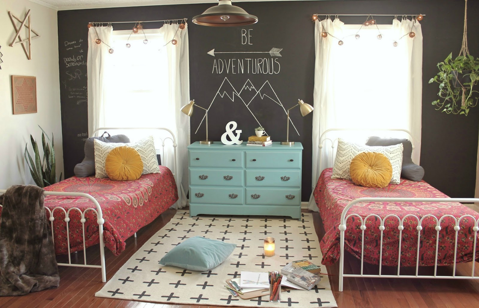 Kids-bedroom-with-timeless-antique-furniture