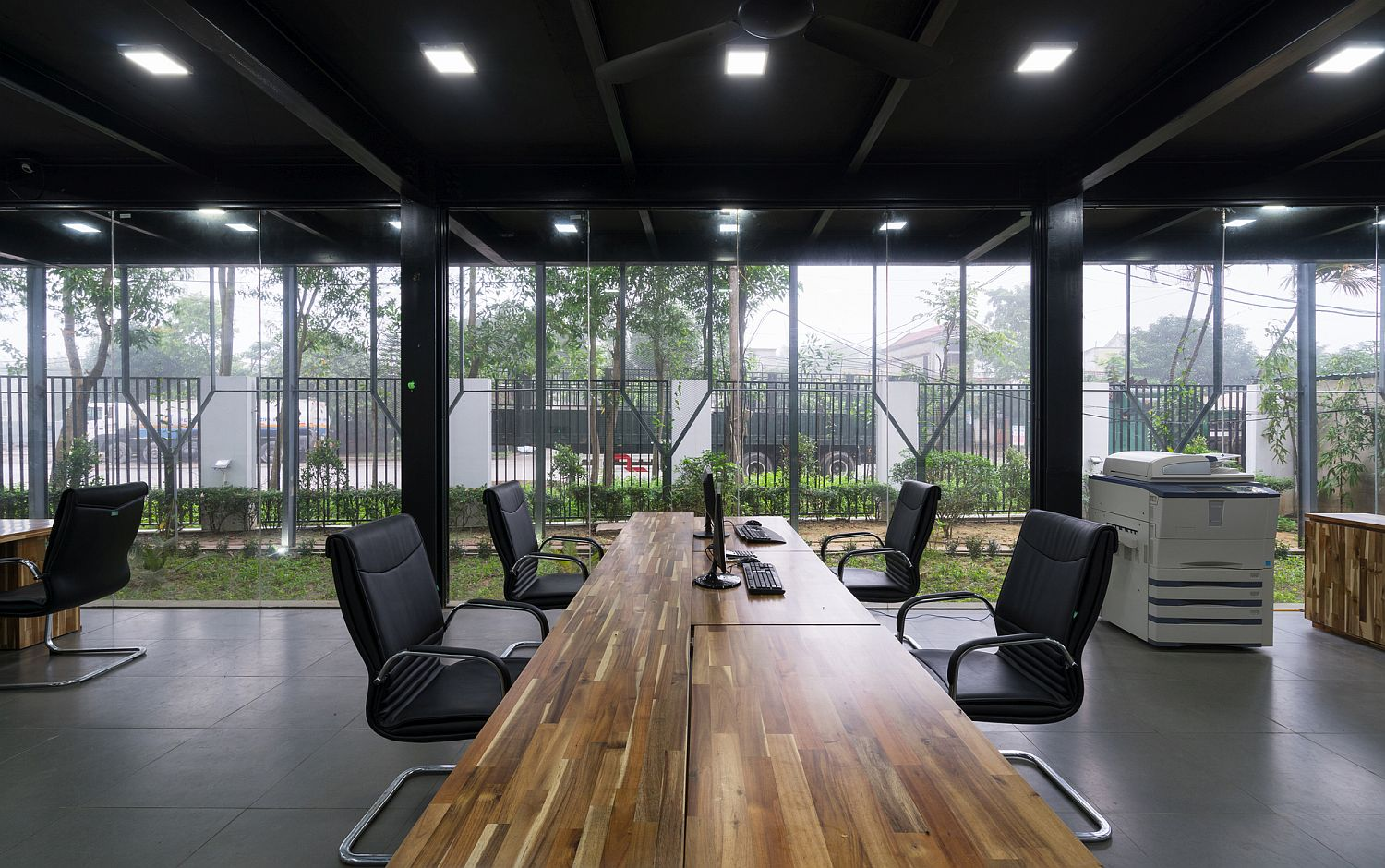 Industrial And Eco Friendly Inventive Green Office In Vietnam