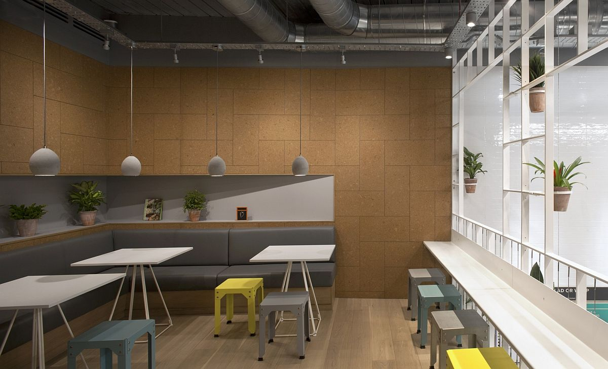 Mezzanine-level-dining-area-with-a-warm-inviting-look