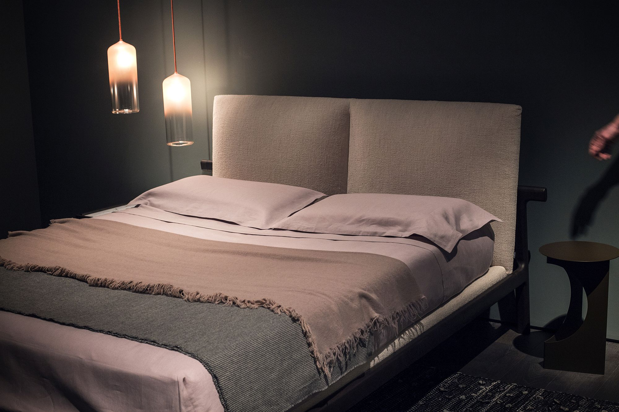 Minimal-and-contemporary-pendants-for-bedside-lighting