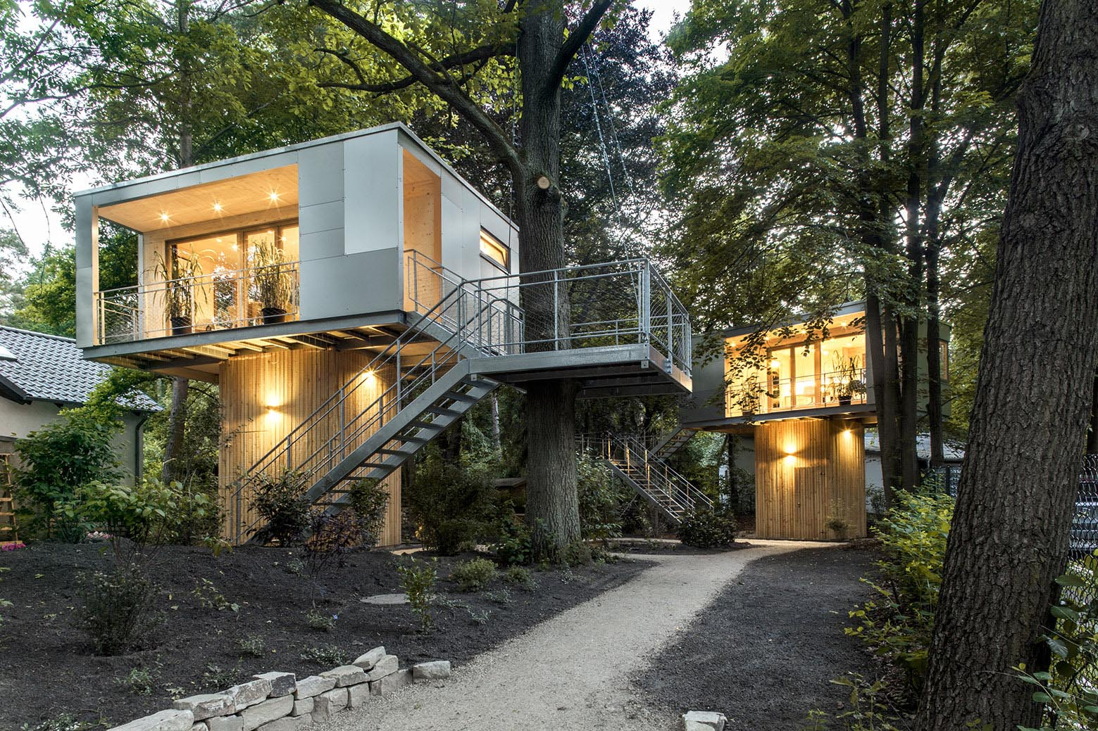 Modern treehouse with a sleek look and matte surface
