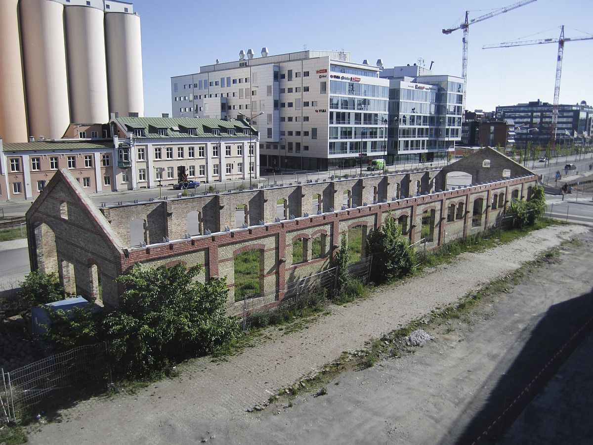 Old-and-discarded-industrial-building-turned-into-market-hall