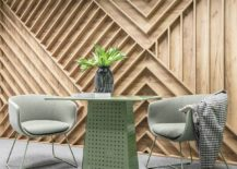 Patterns-broght-in-by-wooden-walls-and-pastel-hues-create-a-beautiful-office-setting-217x155