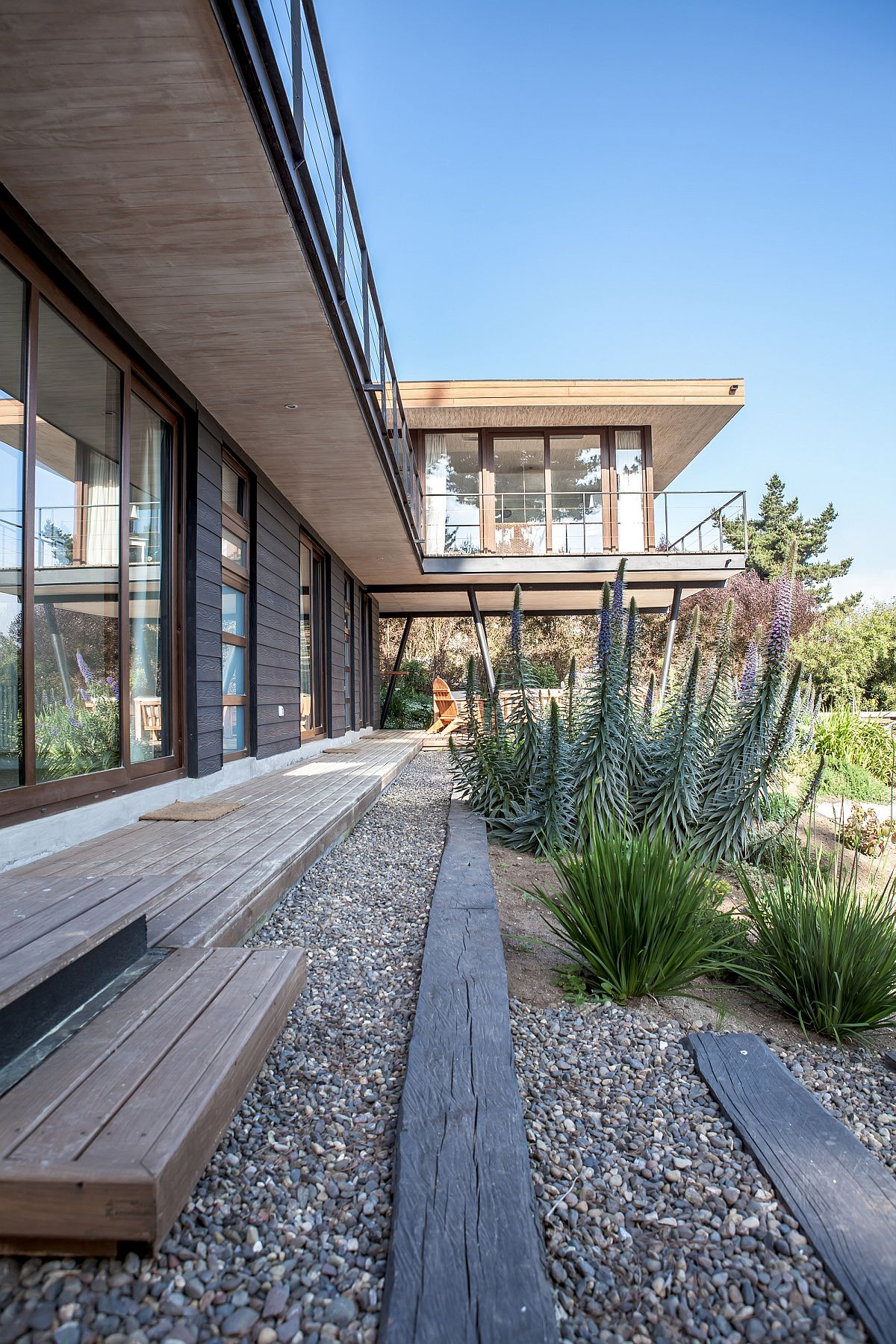 Pine wood panelling gives the exteriorn inviting appeal