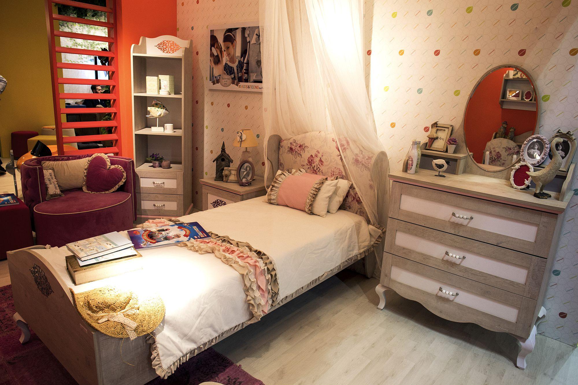 50 latest kids bedroom decorating and furniture ideas. Black Bedroom Furniture Sets. Home Design Ideas