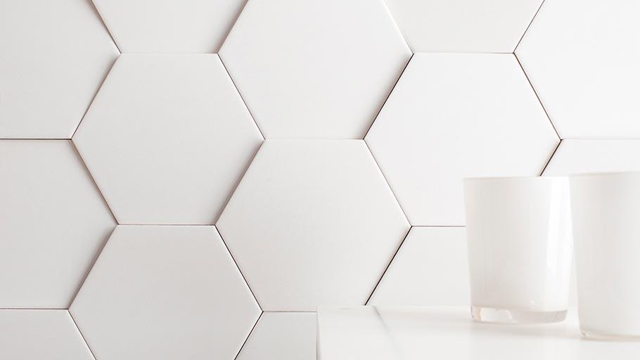 Ramon Esteve designs the Faces collection – geometrical wall tiles