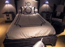 Simple-and-stylish-teen-bedroom-decorating-idea-217x155
