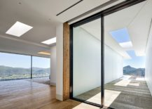 Skylights-and-large-glass-doors-bring-the-outdoors-inside-217x155