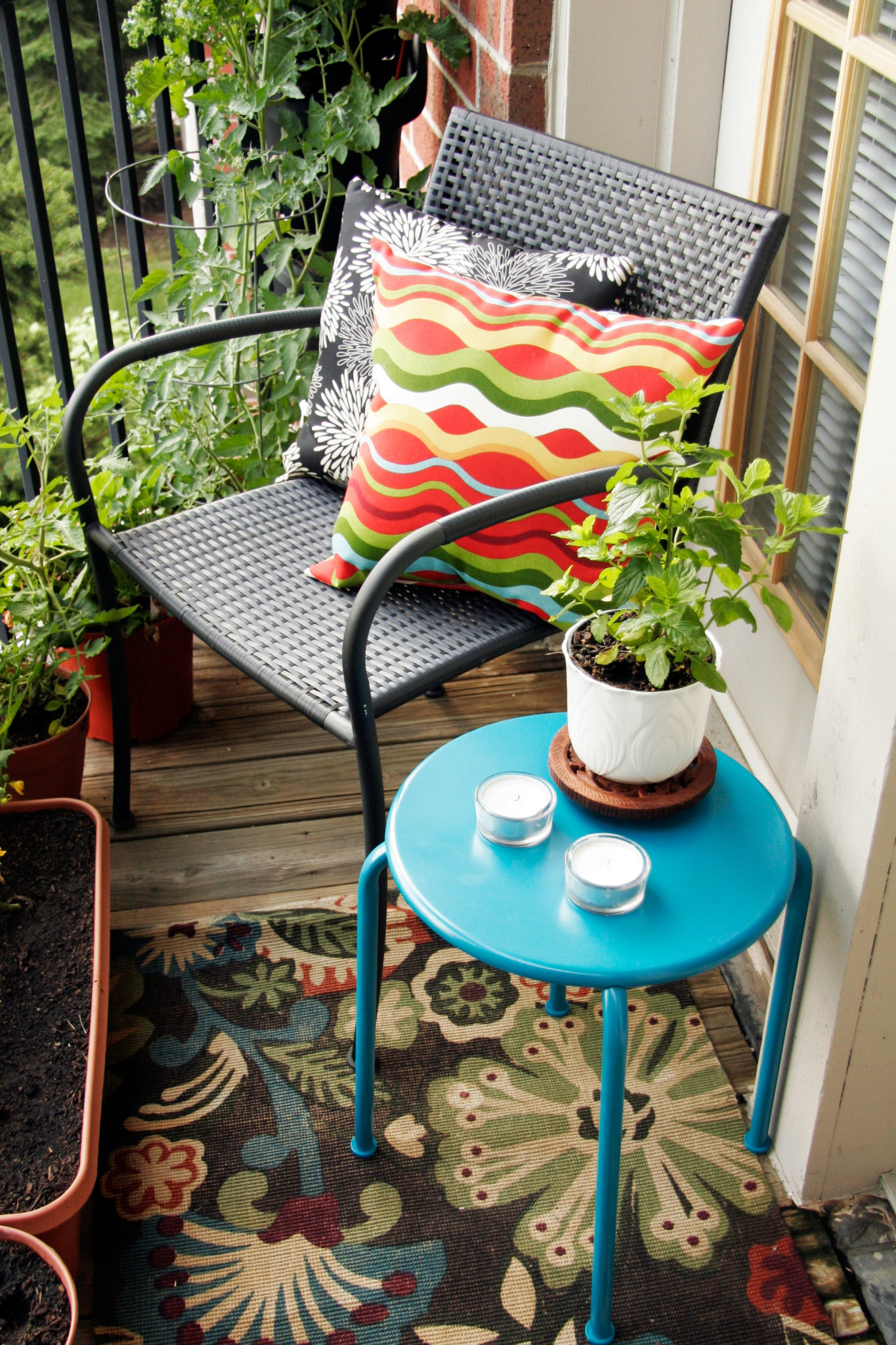 Small balcony with a tiny decorative table