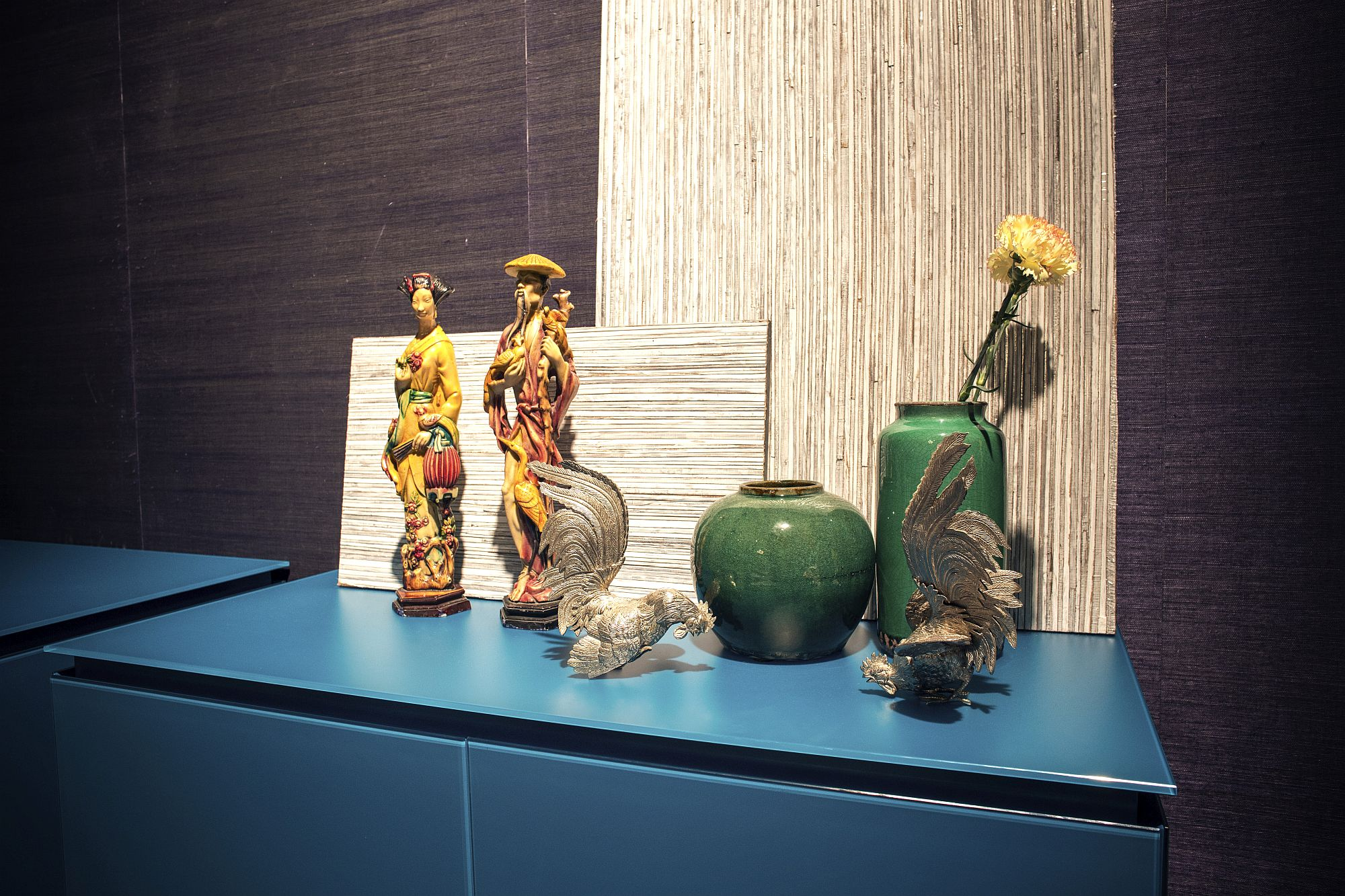 Smaller-number-of-vases-and-collectibles-can-also-make-a-bold-impact