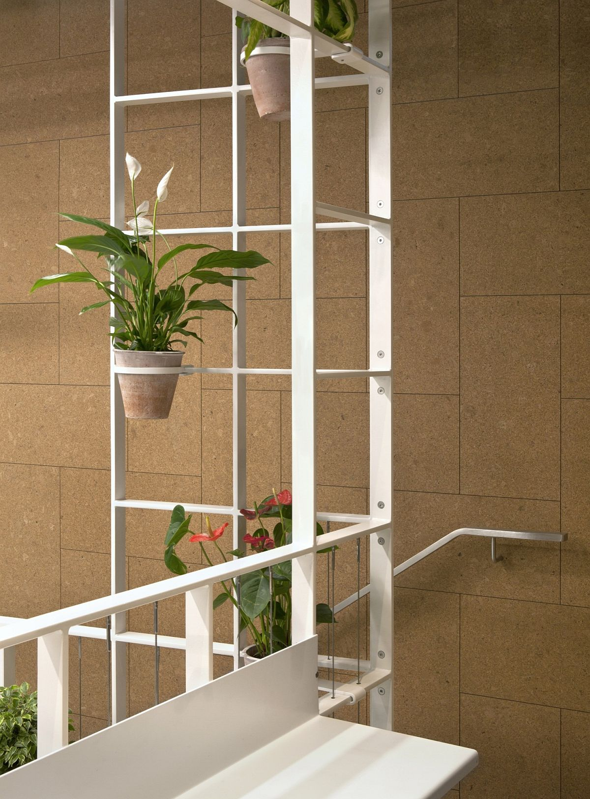 Smart-display-of-greenery-adds-pep-to-the-interior