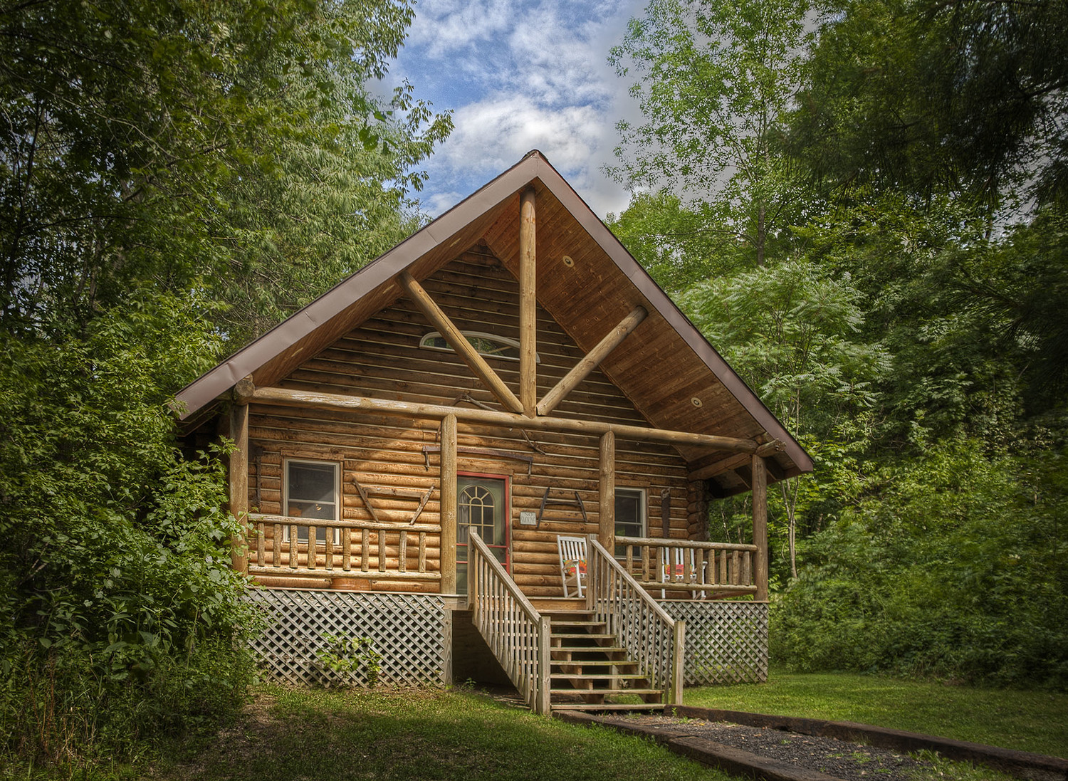 Spacious and comfortable wood cabin