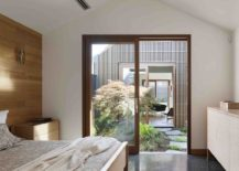 Stone-pathway-and-lovely-courtyard-connect-the-bedrooms-with-the-living-area-217x155