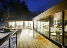 Sweeping-deck-around-the-open-living-area-217x155