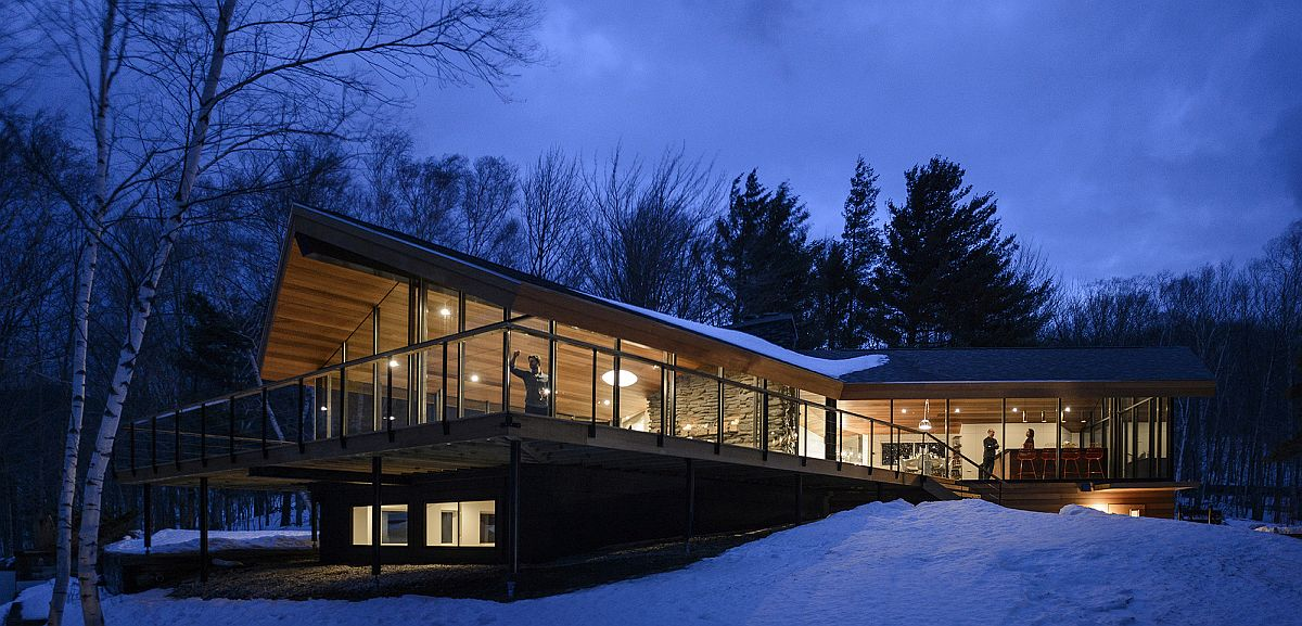 Three-different-squares-combine-to-create-the-Vermont-home