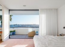 Top-level-bedroom-of-the-beach-house-217x155