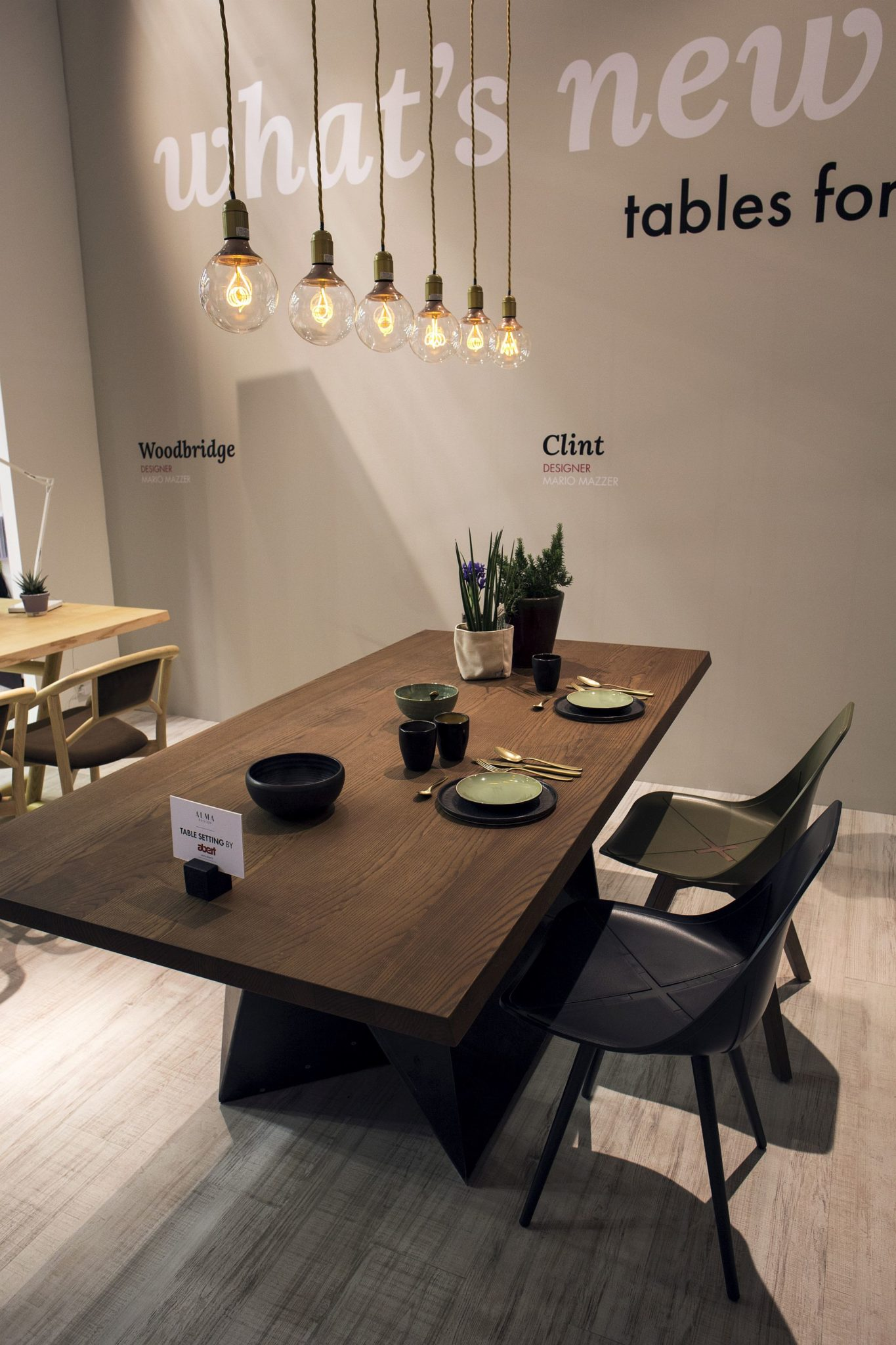 Ultra-minimal-Edison-bulbs-are-perfect-for-the-modern-dining-room